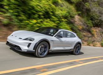 Studie Porsche Mission E Cross Turismo geht in Serie